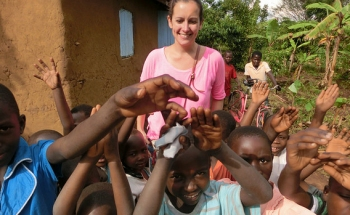 volunteer in uganda